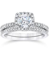diamond wedding ring sets pompeii3 5 8 carat cushion halo diamond engagement wedding ring