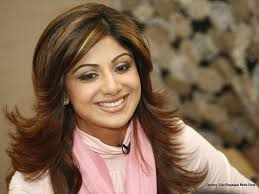 shilpa shetty hairstyles and dressing in new way latestreviewz com