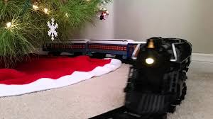 the polar express lionel g going around the