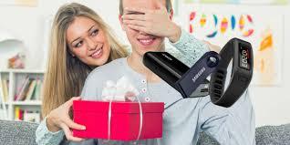 gifts for boyfriends great tech gifts for boyfriends