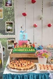 Alice In Wonderland Decoration Ideas Throw A Diy U0027alice In Wonderland U0027 Party Like Sabrina Carpenter U0027s