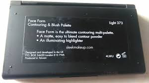 sleek makeup face form contouring and blush palette in light review3
