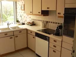 repeindre meuble de cuisine en bois peut on repeindre des meubles de cuisine