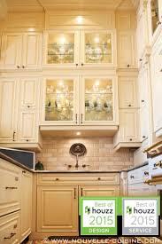 20 best idees d armoires de cuisine classiques classic kitchen 1000 idA es sur le thA me comptoirs en granit sur pinterest cabinet ideasgranite countertopstraditional kitchencabinetslaquepinterestkitchen