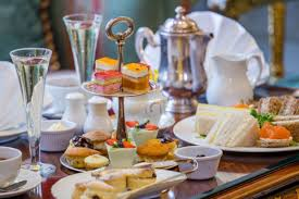 visit to kensington palace and champagne afternoon tea for two at