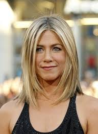 medium length piecy hair shoulder length long piecey layers jennifer anniston makeup