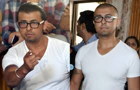 after offering his apology on azan issue sonu nigam shaves off