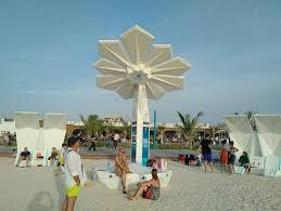 wordlesstech solar powered smart palm trees