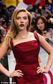 women s the best way to attract a man wear red colour enhances a woman s