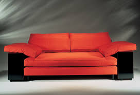 eileen gray sofa designed for rue de lota known as the sofa lota it is simple and