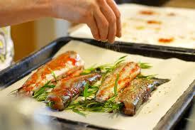 cuisiner truite au four recette truites à l estragon grillées au four banlieusardises