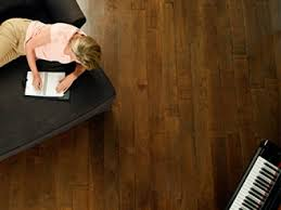 Difference Between Hardwood And Laminate Flooring What Is The Difference Between Solid Wooden Floors And Laminate