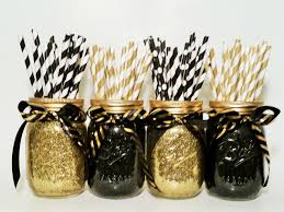 Quick And Easy New Years Decorations by Best 25 Black Gold Party Ideas On Pinterest Graduation Party