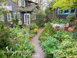 Urban Garden Woodland Hills - the metropolitan field guide site visit archives the