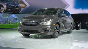 luxury minivan honda recalls 800 000 odyssey minivans issues stop sale autoblog