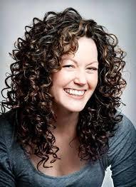 25 Beautiful Medium Shag Haircuts by Best 25 Medium Length Curly Hairstyles Ideas On Curly