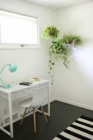 top 7 spring home decor trends to help interiors blossom