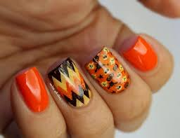 miss phibes nail art de halloween con water decals de wibbly