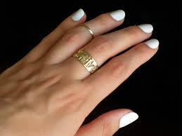 nails of the day white on laura neuzeth