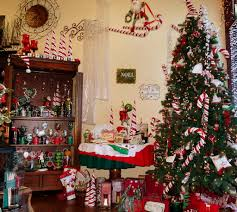 Decorated Homes Interior Homes Decorated For Christmas Great Home Design References