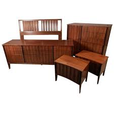 Mid Century Bedroom Mid Century Modern American Bedroom Set By Unagusta For Sale At