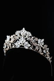 wedding crowns best 25 tulip wedding crowns ideas on tulip floral
