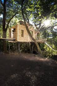 Best Treehouse See Inside Britain U0027s Best Treehouse Video