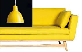 canape jaune cuir decoration salon design canpe cuir suspension couleur jaune curry