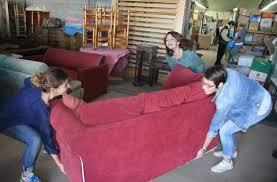 canapé emmaus la rentrée de ces étudiants se fait chez üs