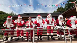 santas holding a meeting in amakusa glico global official site