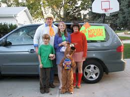 halloween costumes for family tips for creative family halloween costumes that won u0027t break the