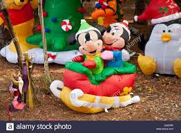 Minnie Mouse Christmas Decorations Christmas Amazinge Christmas Decorations Mickey Mouse Holiday In