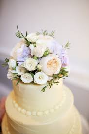 best ways to use fresh flowers on your wedding cake temple square