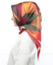 silk home silk home kırmızı kahverengi renkli geometrik desenli twill ipek