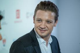 jeremy renner hairstyle kviff press conference with jeremy renner