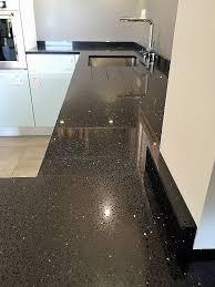 granit cuisine comptoir de cuisine quartz ou granit unique cuisine quartz noir 27