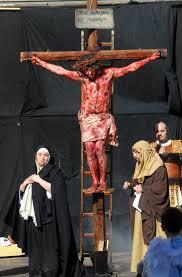 Jesus Costume Pictured Marking Jesus U0027 Journey On Good Friday Daily Mail Online