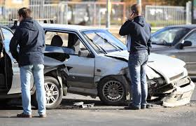 what should i do if i encounter a car accident with pictures