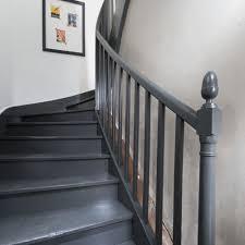 escalier peint 2 couleurs repeindre un escalier en gris wordmark