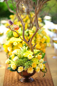 Floral Arrangements Centerpieces Best 25 Yellow Flower Arrangements Ideas On Pinterest Lemon