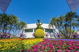 photos 2017 epcot flower and garden festival topiaries blog mickey