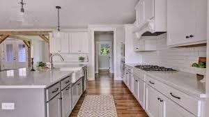 kitchen cabinets with white quartz countertops white shaker kitchen cabinets with quartz countertops