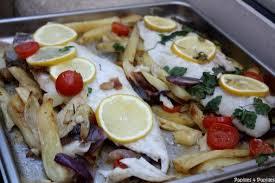 cuisiner le merluchon filets de poisson rôtis merluchon aux pommes de terre et tomates