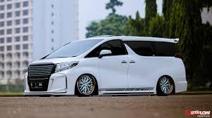 layanan lexus indonesia info harga dan spesifikasi toyota alphard review mobil