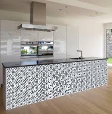 rouleau adhesif meuble cuisine les 622 meilleures images du tableau carrelage adhésif sur rouleau
