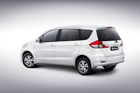renault lodgy specifications renault lodgy vs toyota innova vs maruti ertiga vs honda mobilio
