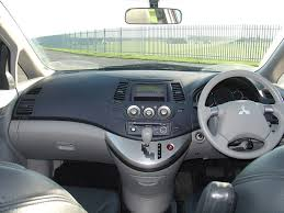 mitsubishi grandis 2010 mitsubishi grandis estate 2004 2010 driving u0026 performance