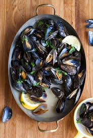 how to make steamed mussels recipe mussels clams and bowls
