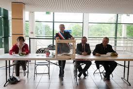 les bureaux de vote les bureaux de vote le haut parleur