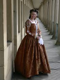 of the gowns cheats guide to a tudor or early elizabethan gown